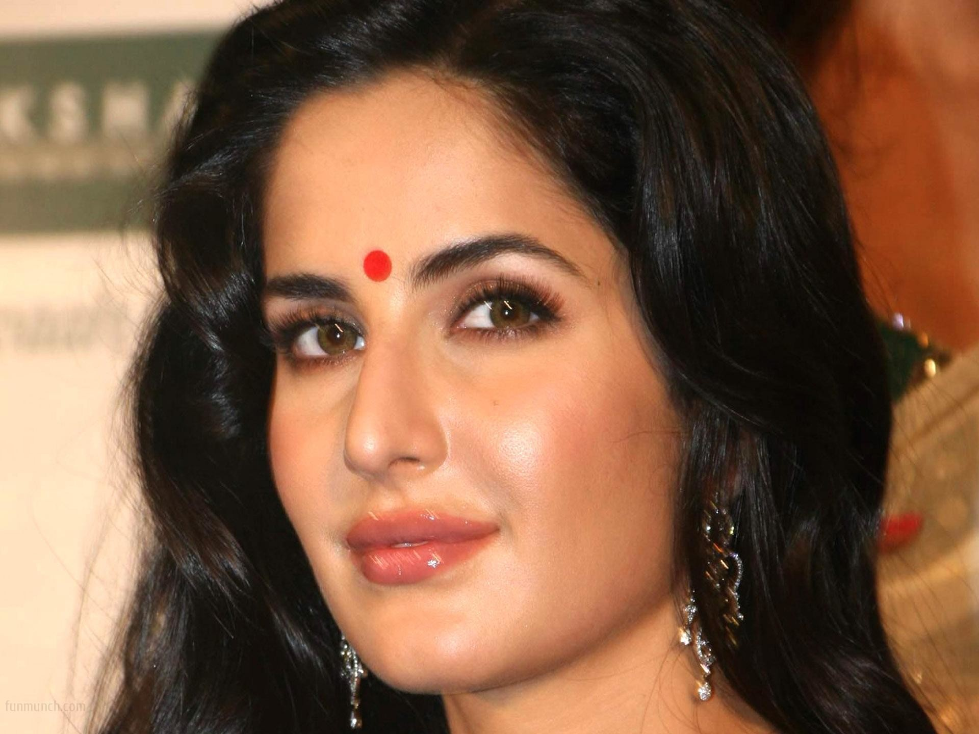 Katrina Kaif Cute Wallpapers 72 Background Pictures