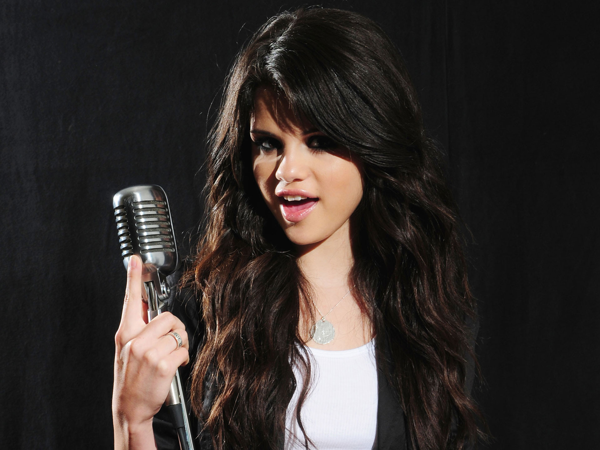1920x1440 Free Selena Gomez HD Wallpapers PixelsTalk Collection Of Hd On HDWallpapers