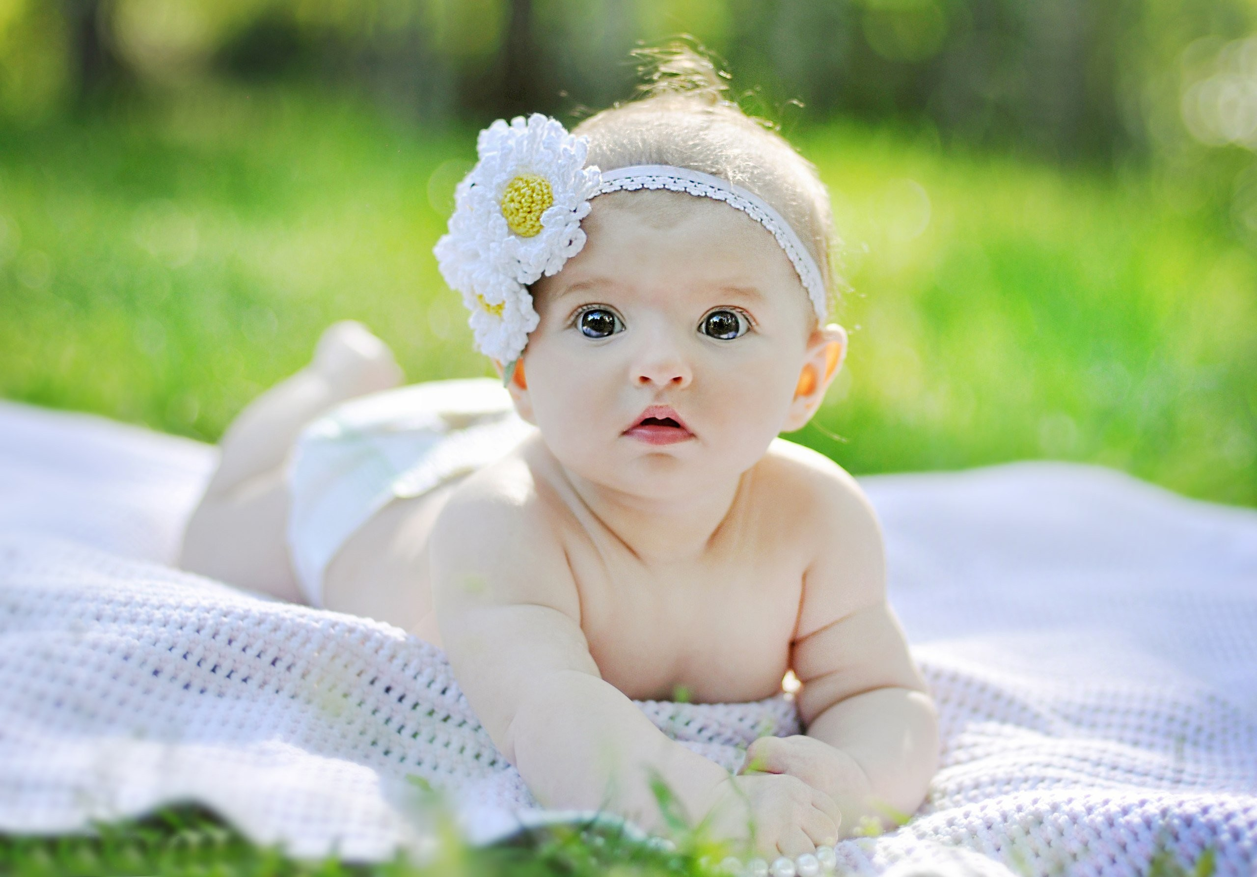 2880x1800 Cute Baby Wallpaper