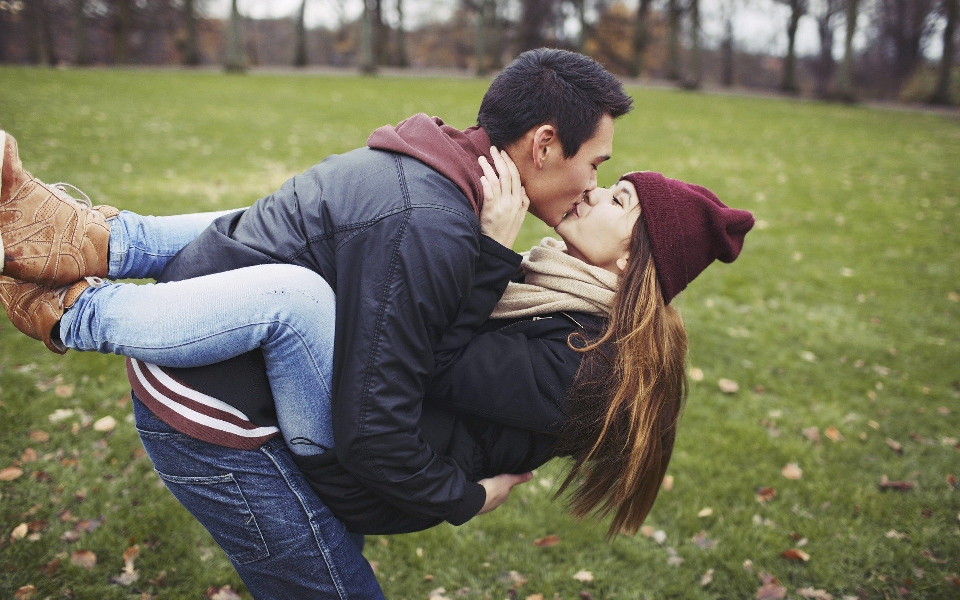 Kissing Wallpapers Hd 70 Background Pictures