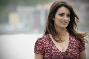 new penelope cruz wallpapers hd 2560x1600 for mobile hd